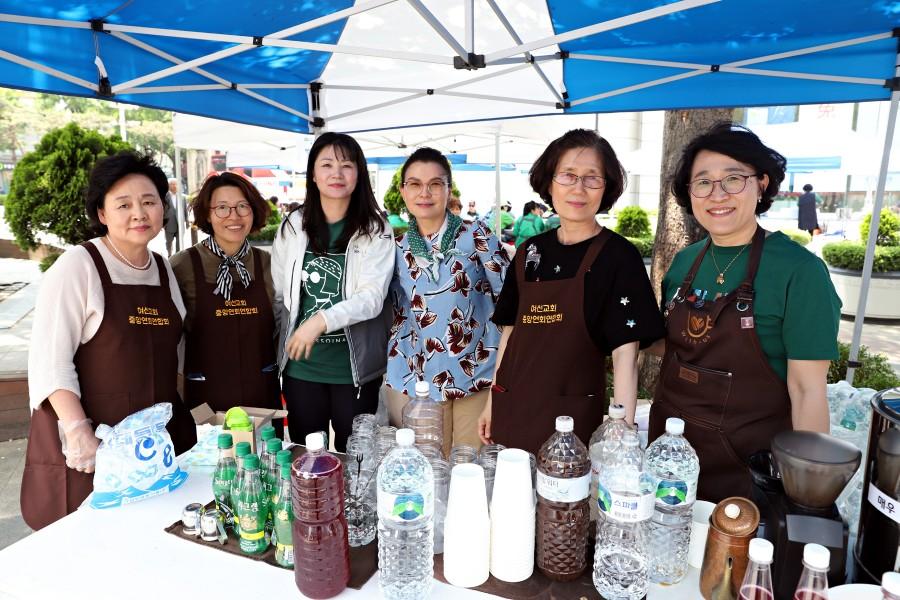 7.다회용 개인컵을 가져오면 저렴하게 커피를 마실수 있는 청청카페.JPG